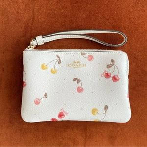 New* Authentic Coach small wristlets